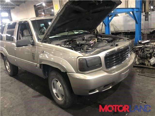 Cadillac Escalade 1 1998-2002, разборочный номер J5546 #1