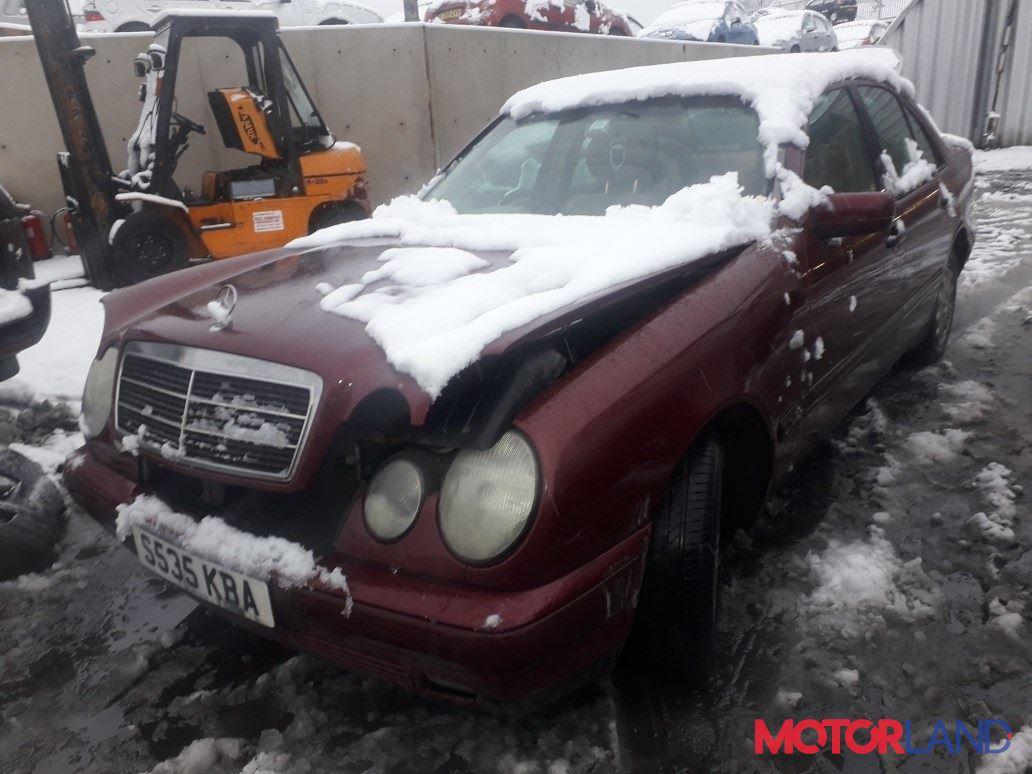 Mercedes E W210 1995-2002, разборочный номер T19582 #1