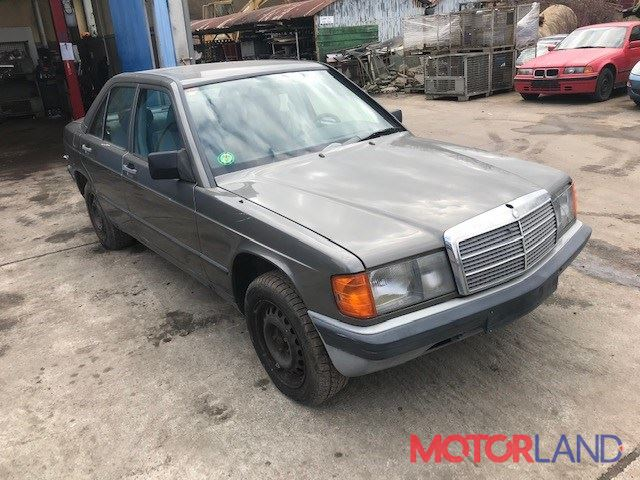 Mercedes 190 W201, разборочный номер V3300 #1