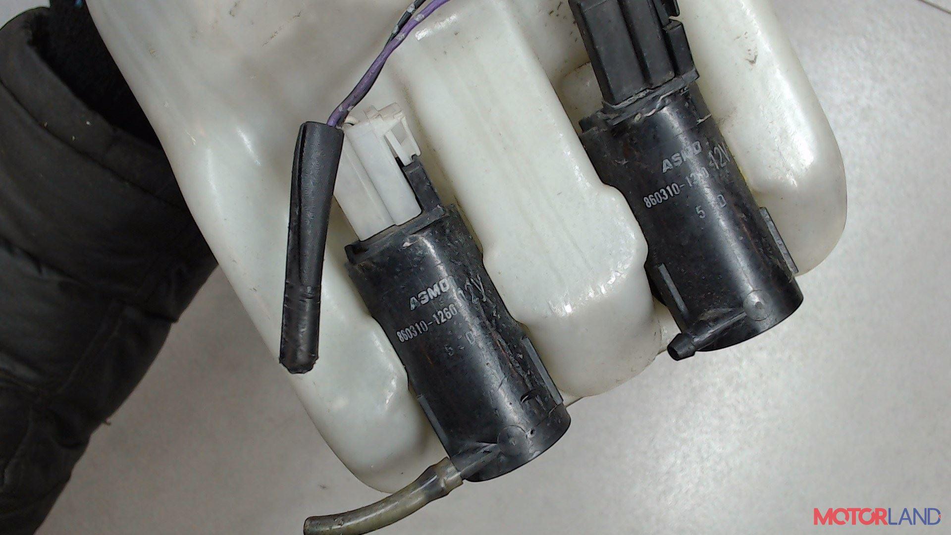 Двигатель (насос) омывателя Daihatsu Terios, Артикул 19993349, деталь является частью агрегата #1