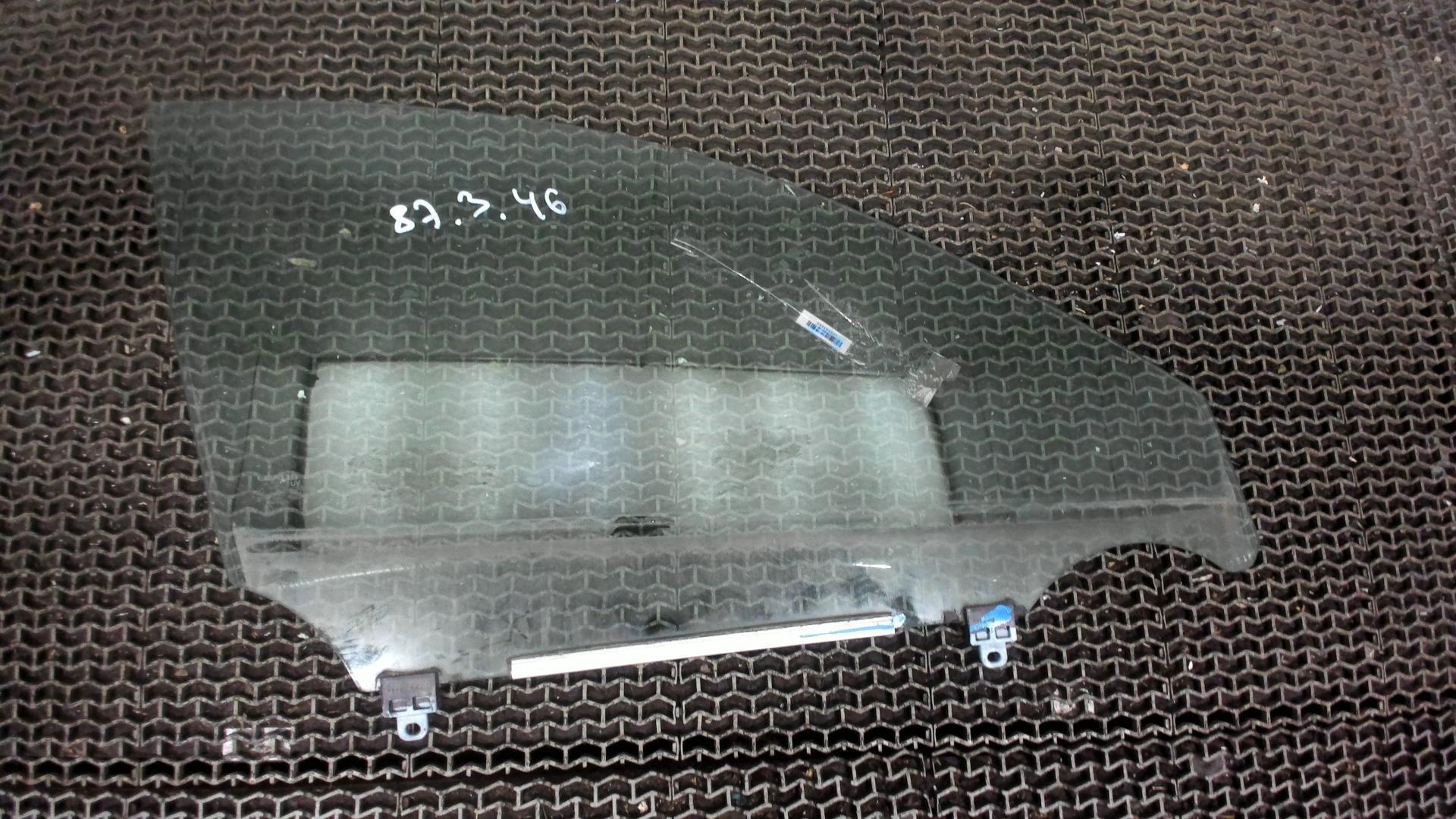 Стекло боковой двери передн прав Lexus IS 2005-2013