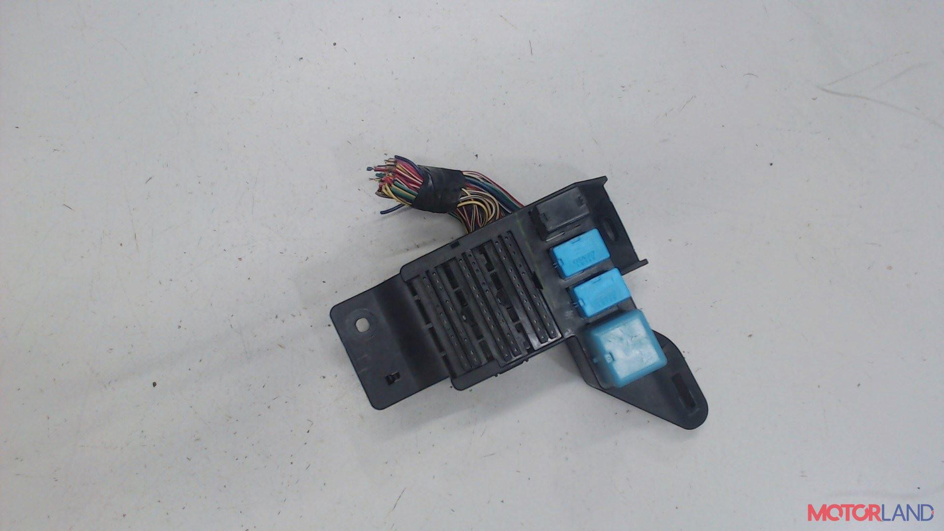 Блок реле Pontiac Vibe 1 2002-2008, Артикул 5329077 #1