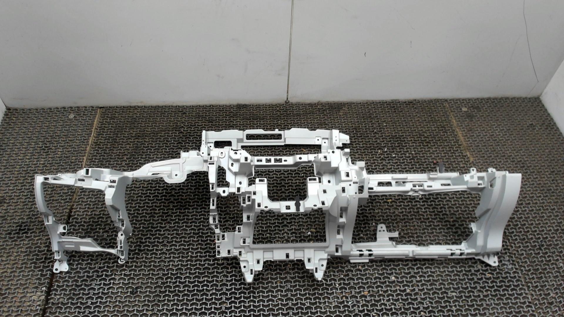 Панель передняя салона (торпедо) Toyota
