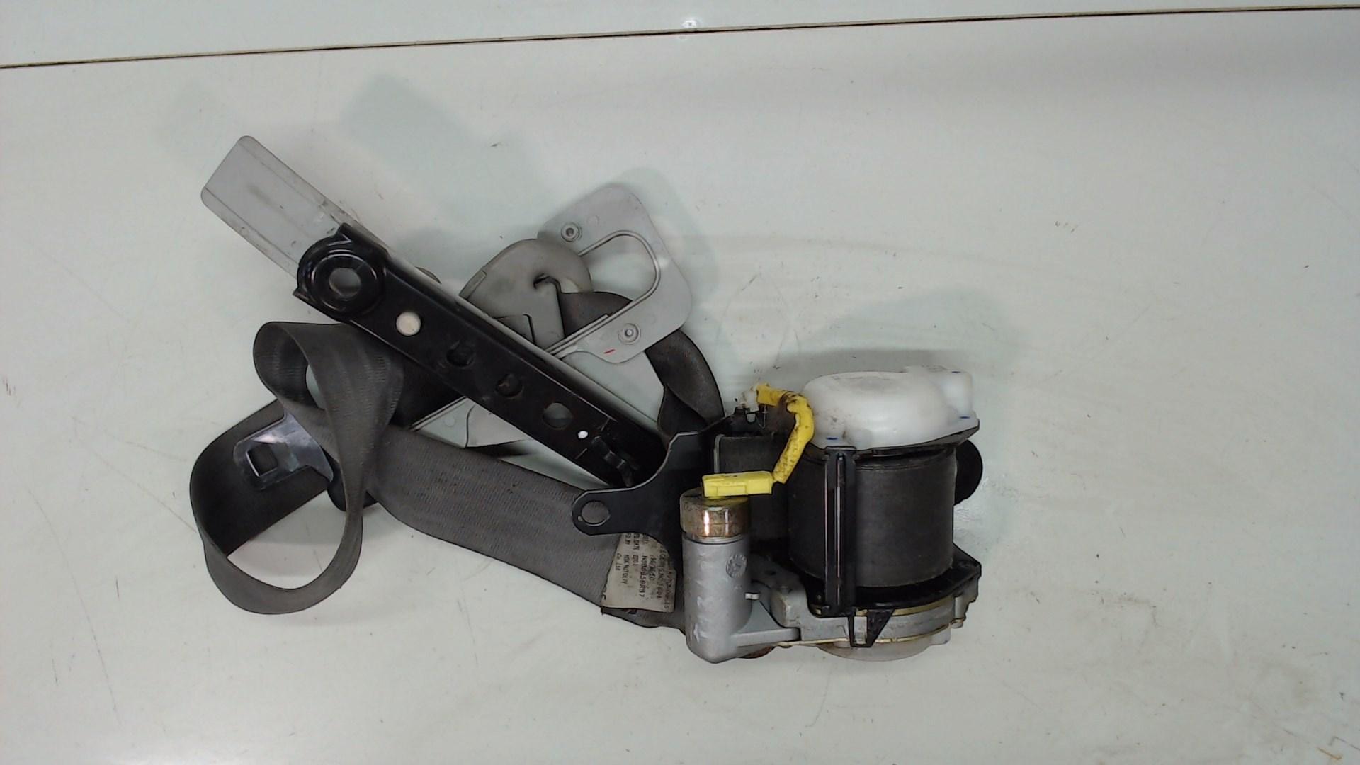 Ремень безопасности передний правый Suzuki Jimny 3