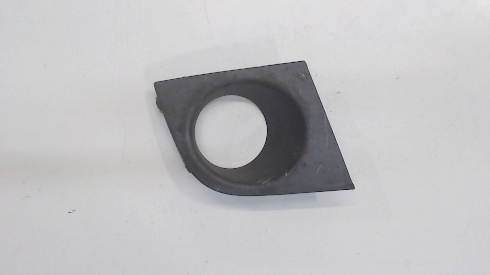 Заглушка (решетка) в бампер передний   62257ED200