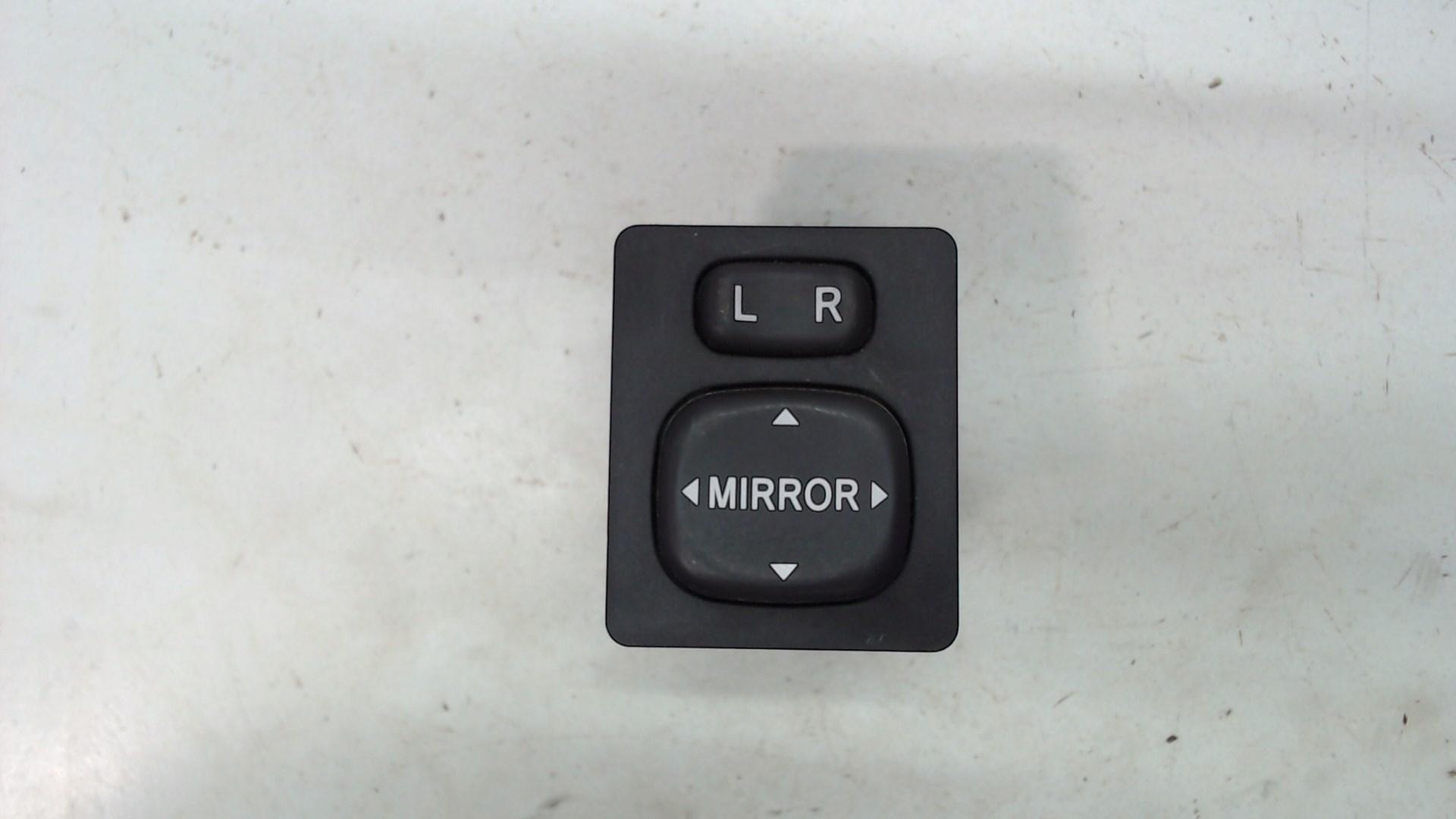 Джойстик и механизм регулировки зеркал Toyota