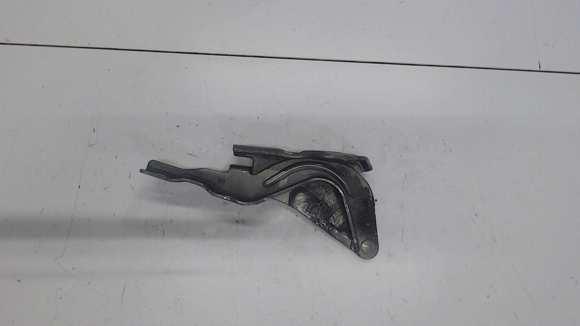 Петля капота лев Hyundai Santa Fe 2005-2012