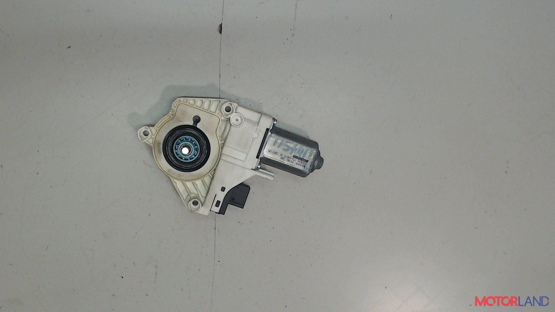 Двигатель стеклоподъемника Audi A6 (C6) 2005-2011 2 л. 2007 BRE б/у #1