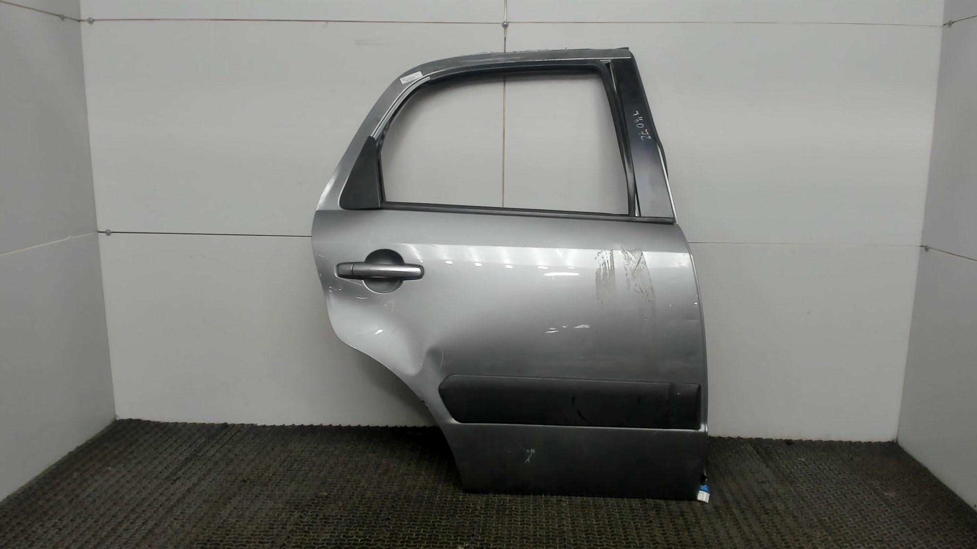 Дверь задняя правая Suzuki SX4 1 6800379J00