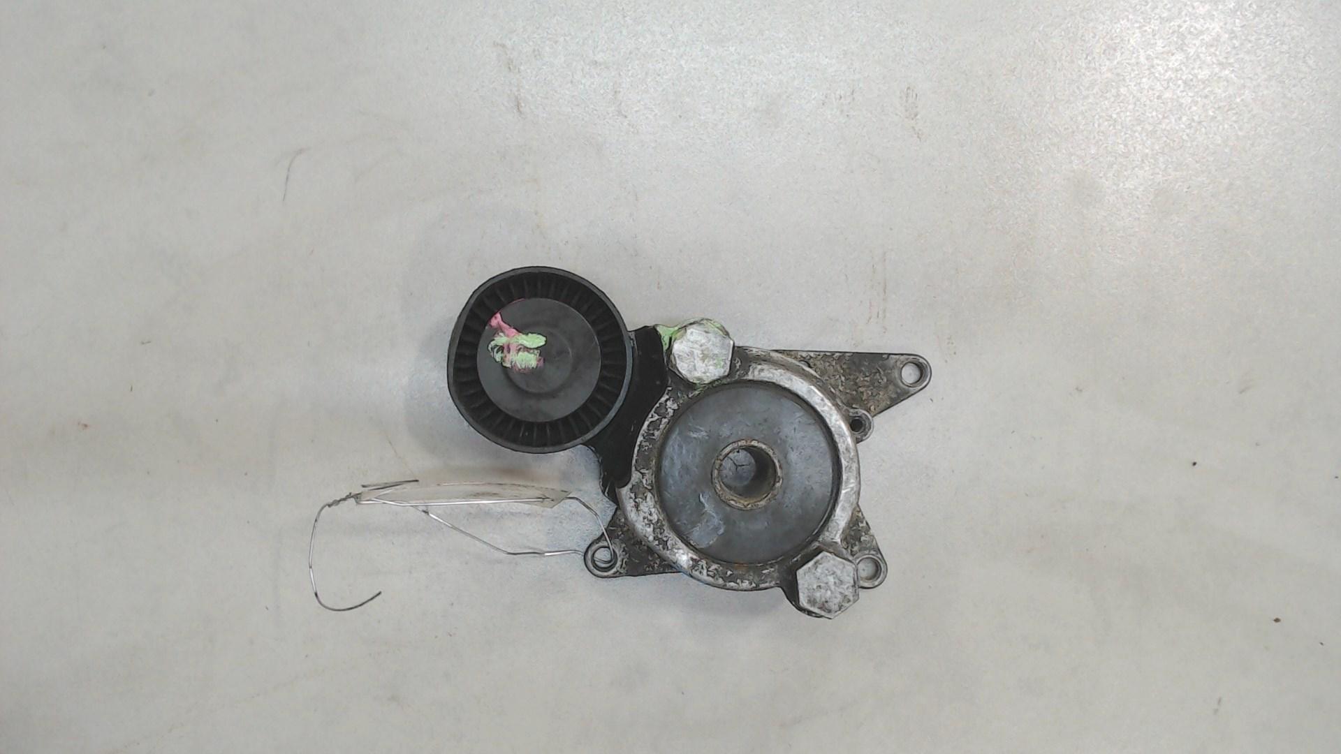 Натяжитель и ролики приводного ремня Toyota