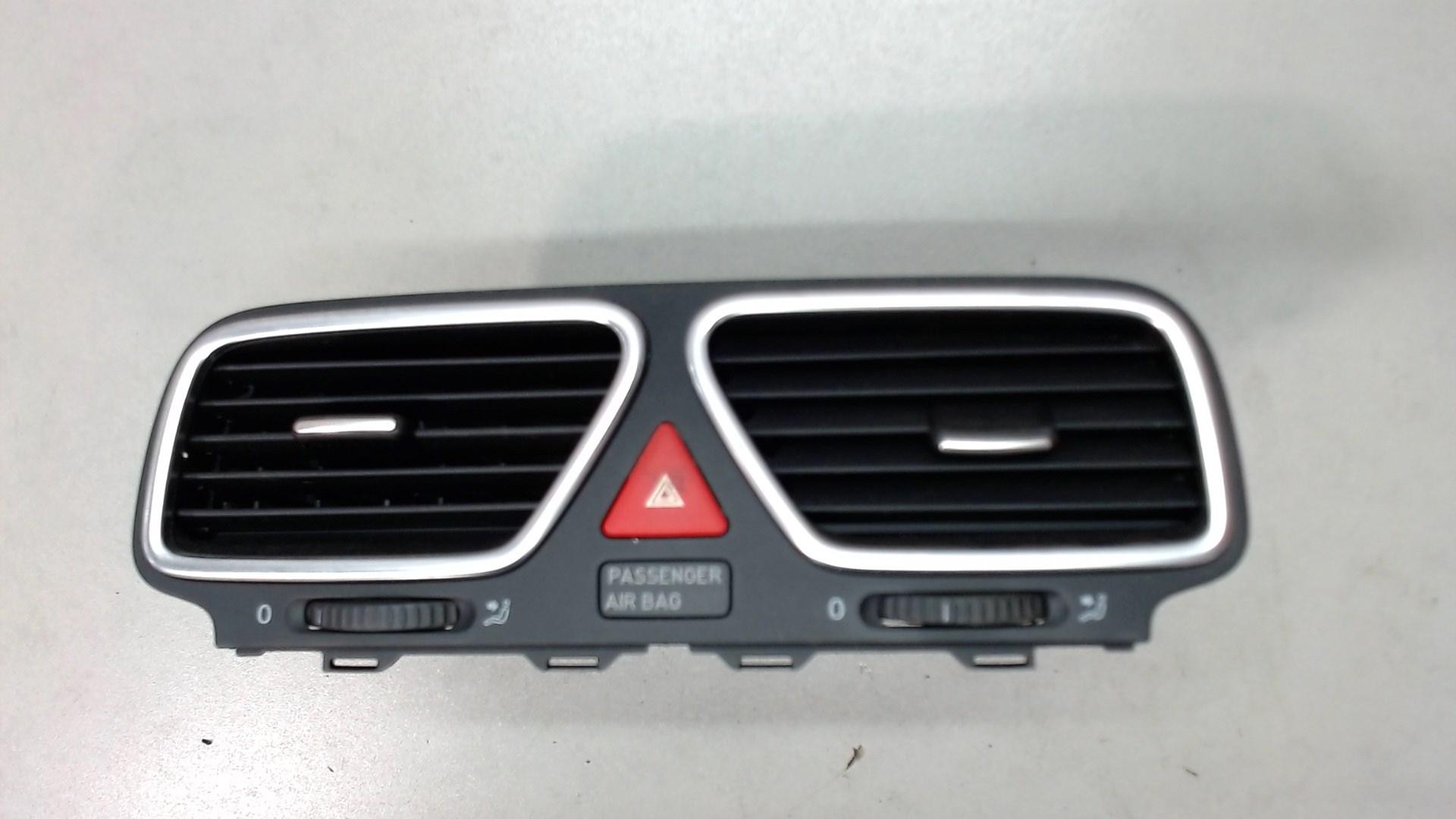 Дефлектор обдува салона Opel Corsa D