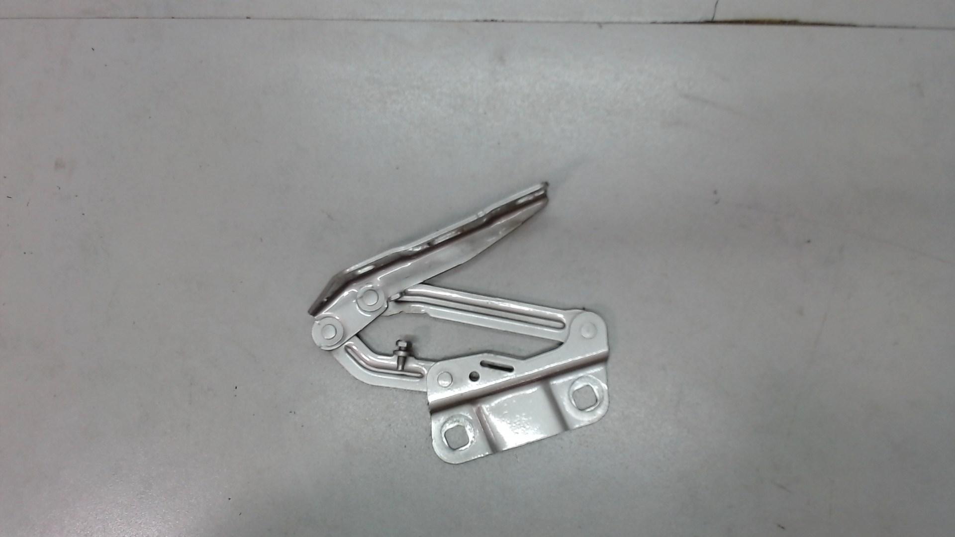 Петля капота лев Mercedes ML W164 2005-2011