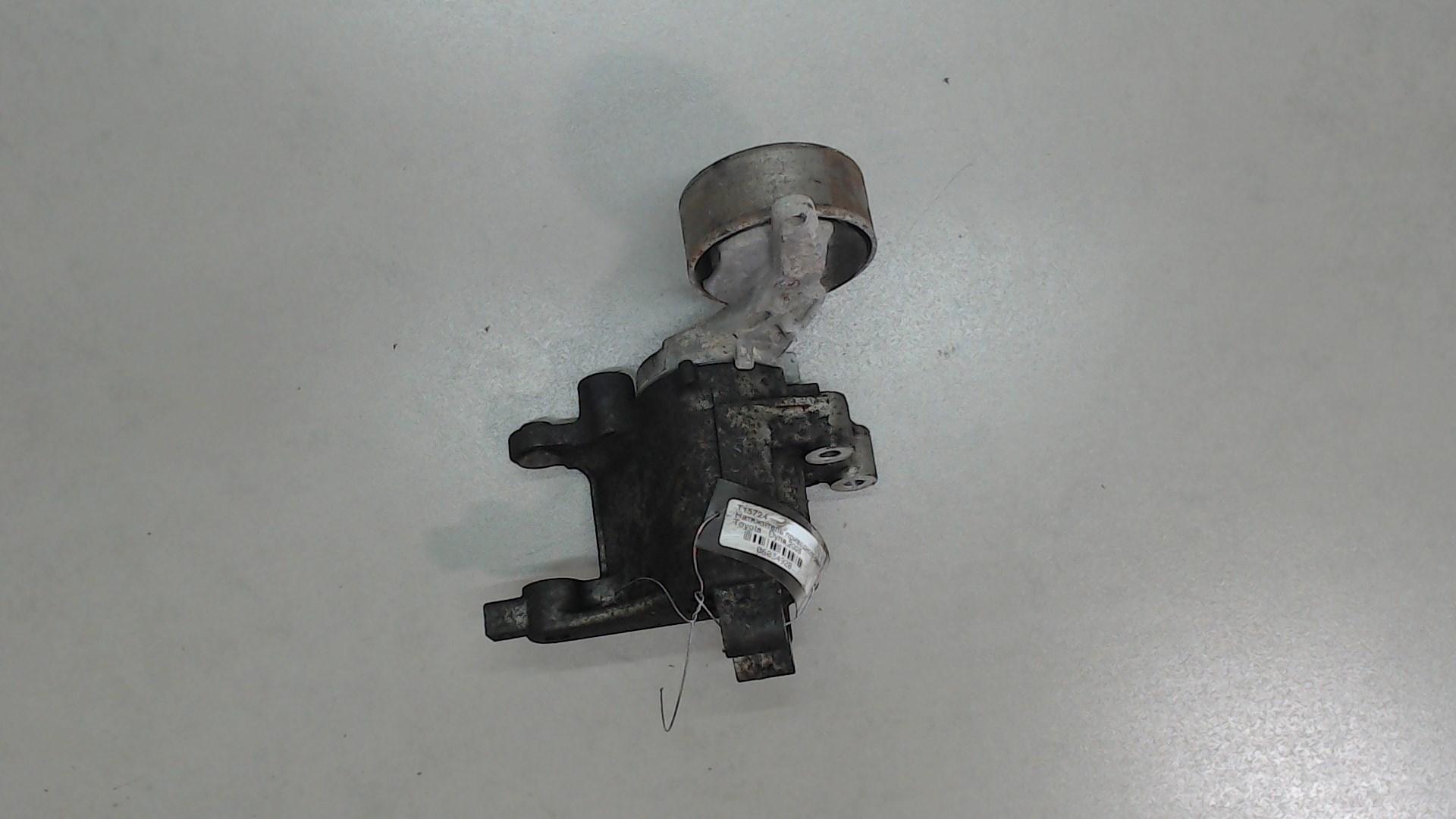 Натяжитель и ролики приводного ремня Toyota  1662030031