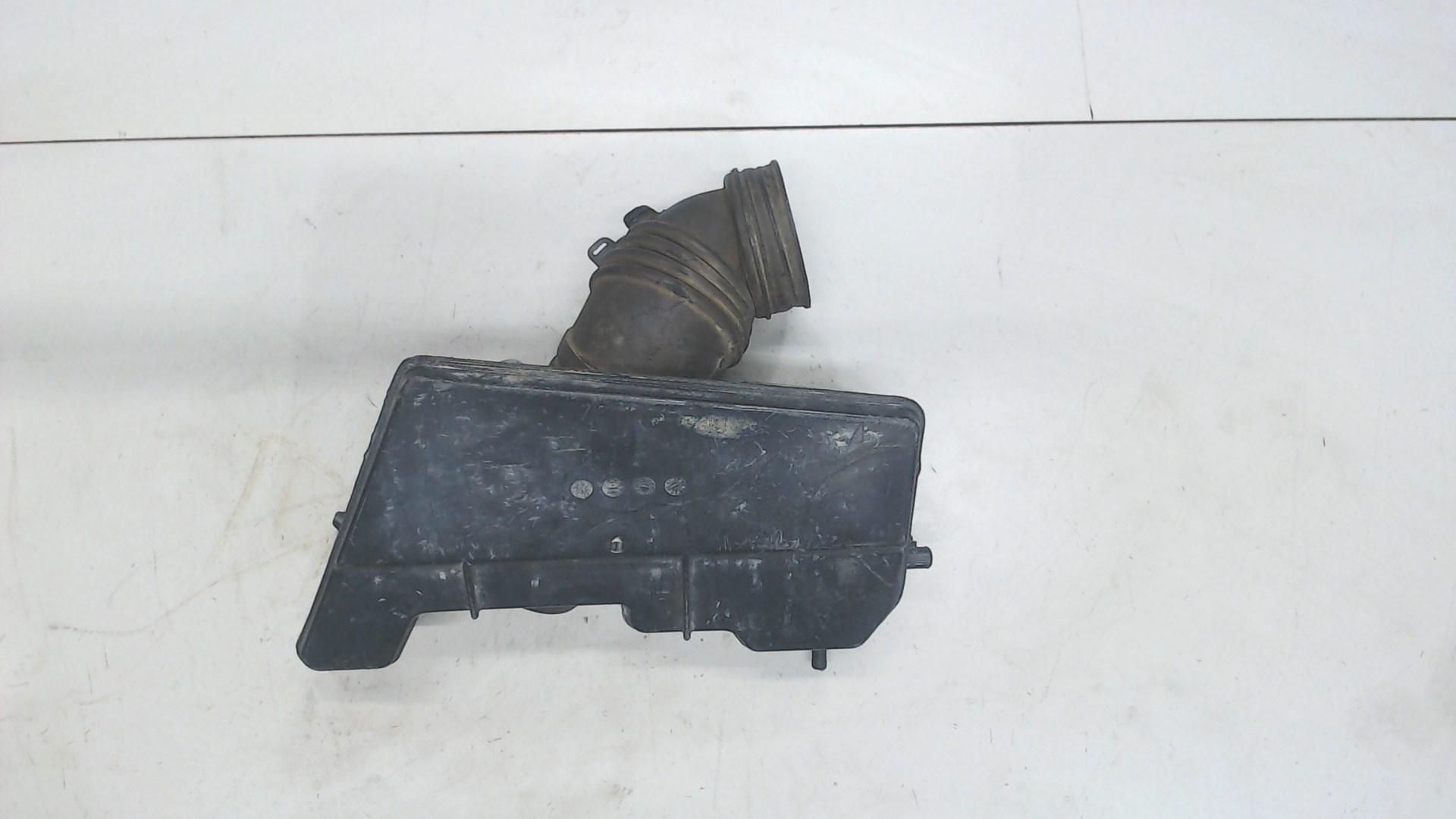 Резонатор воздушного фильтра Toyota