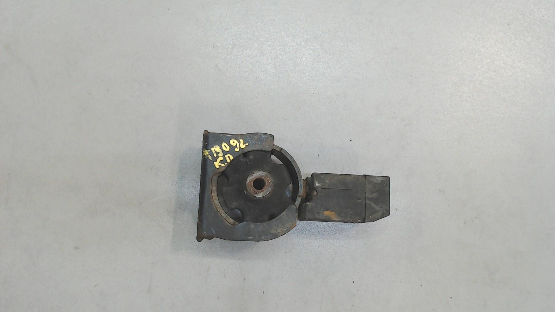 Подушка крепления кпп Toyota  1236122080