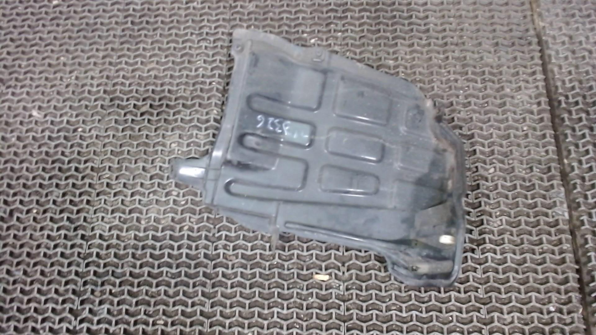 Защита арок задняя правая (подкрылок) Toyota