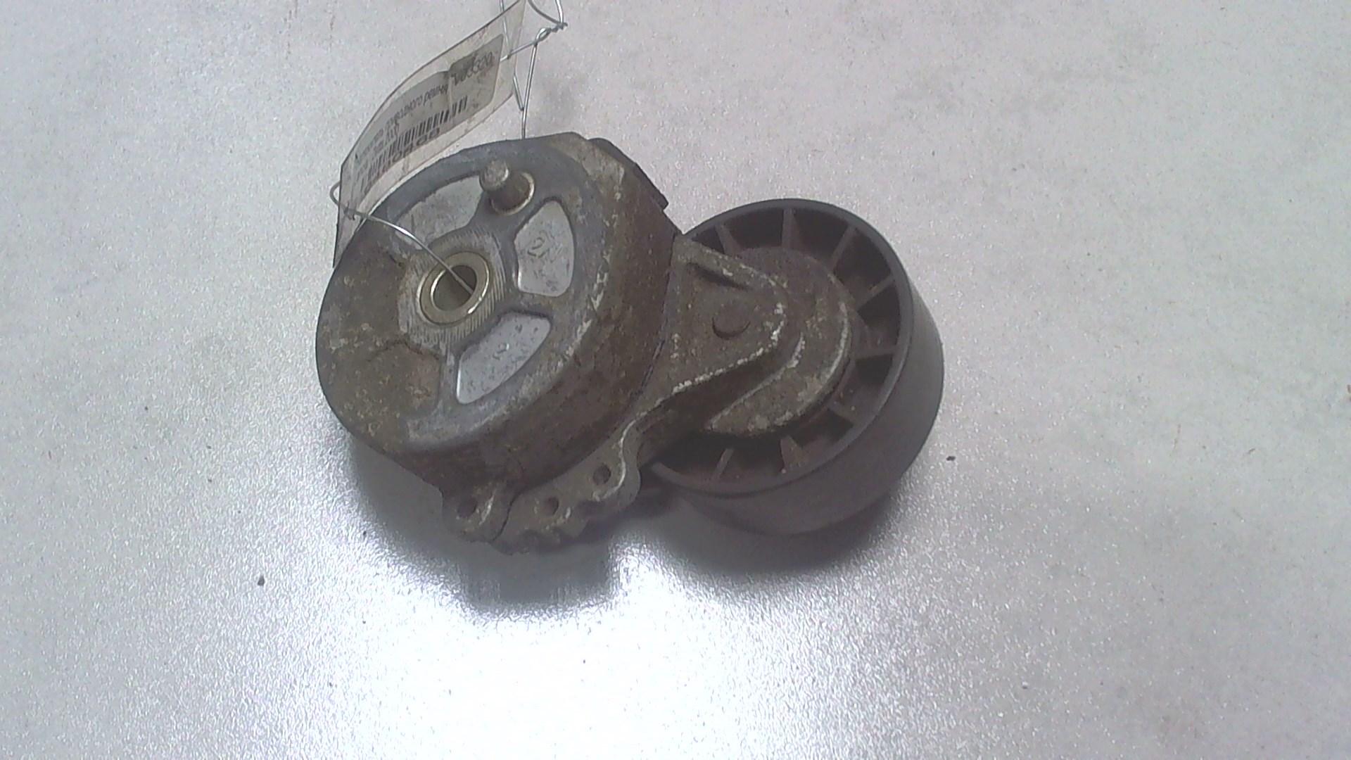 Натяжитель и ролики приводного ремня
