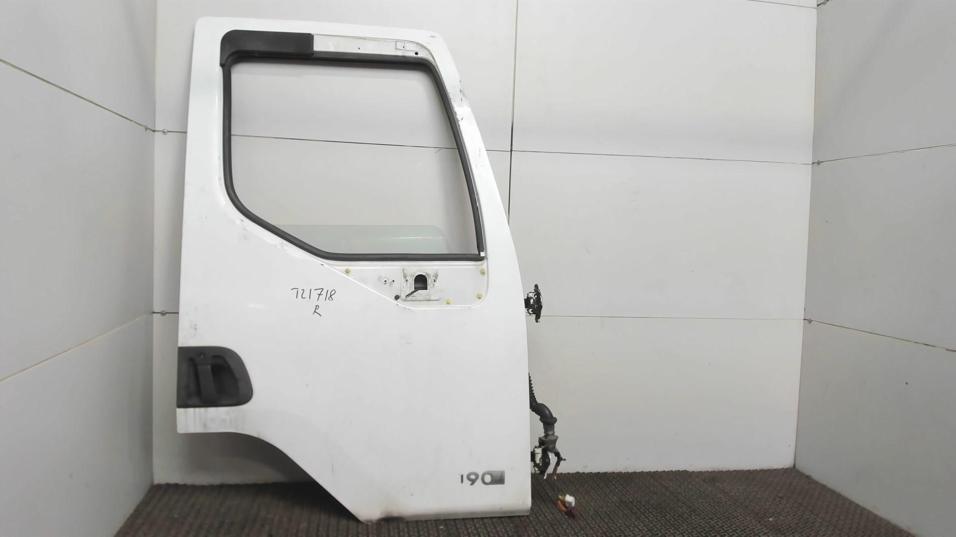 Дверь боковая передн прав Renault Midlum 2 2005-