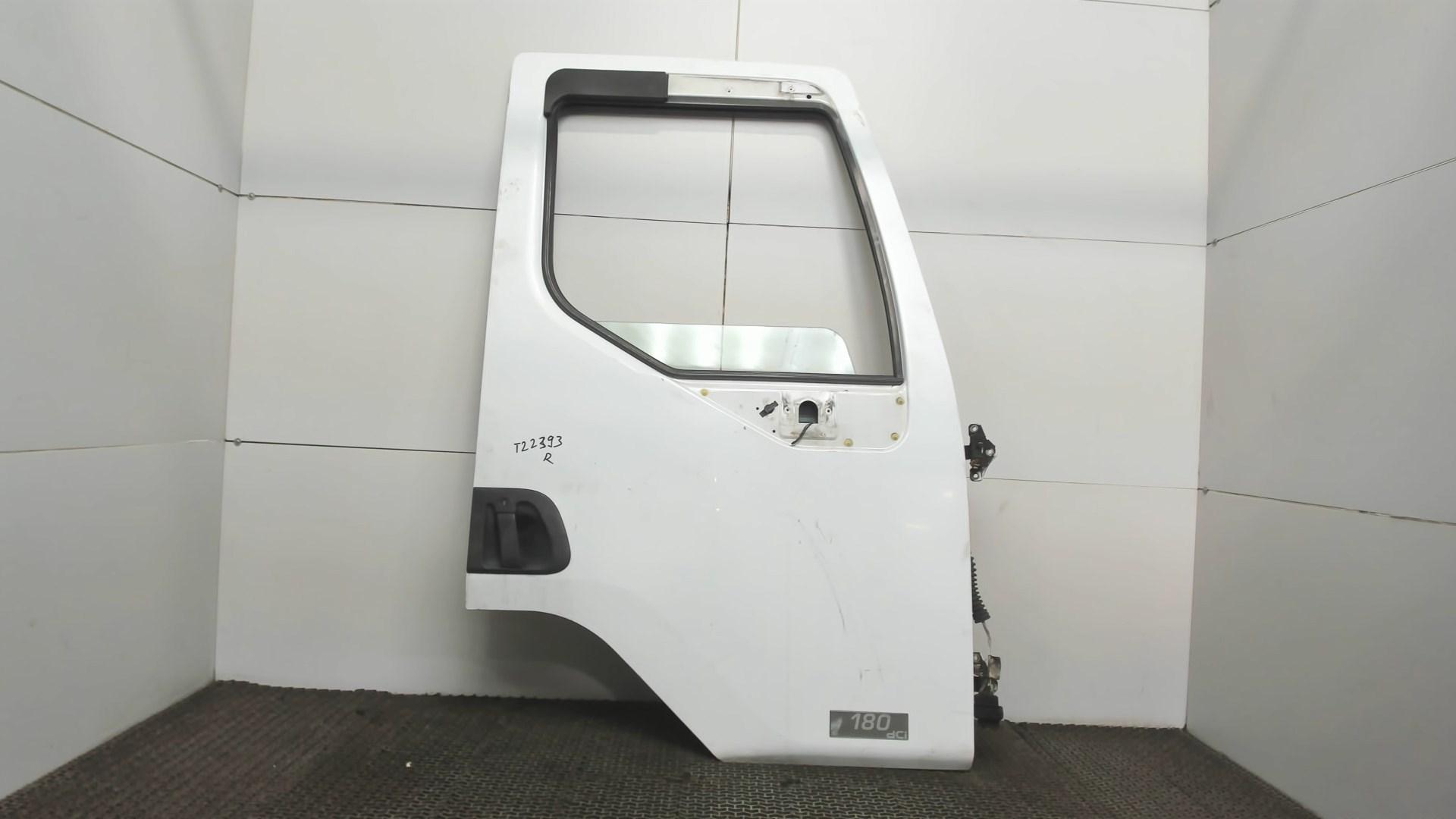 Дверь боковая передн прав Renault Midlum 1 1999-2006