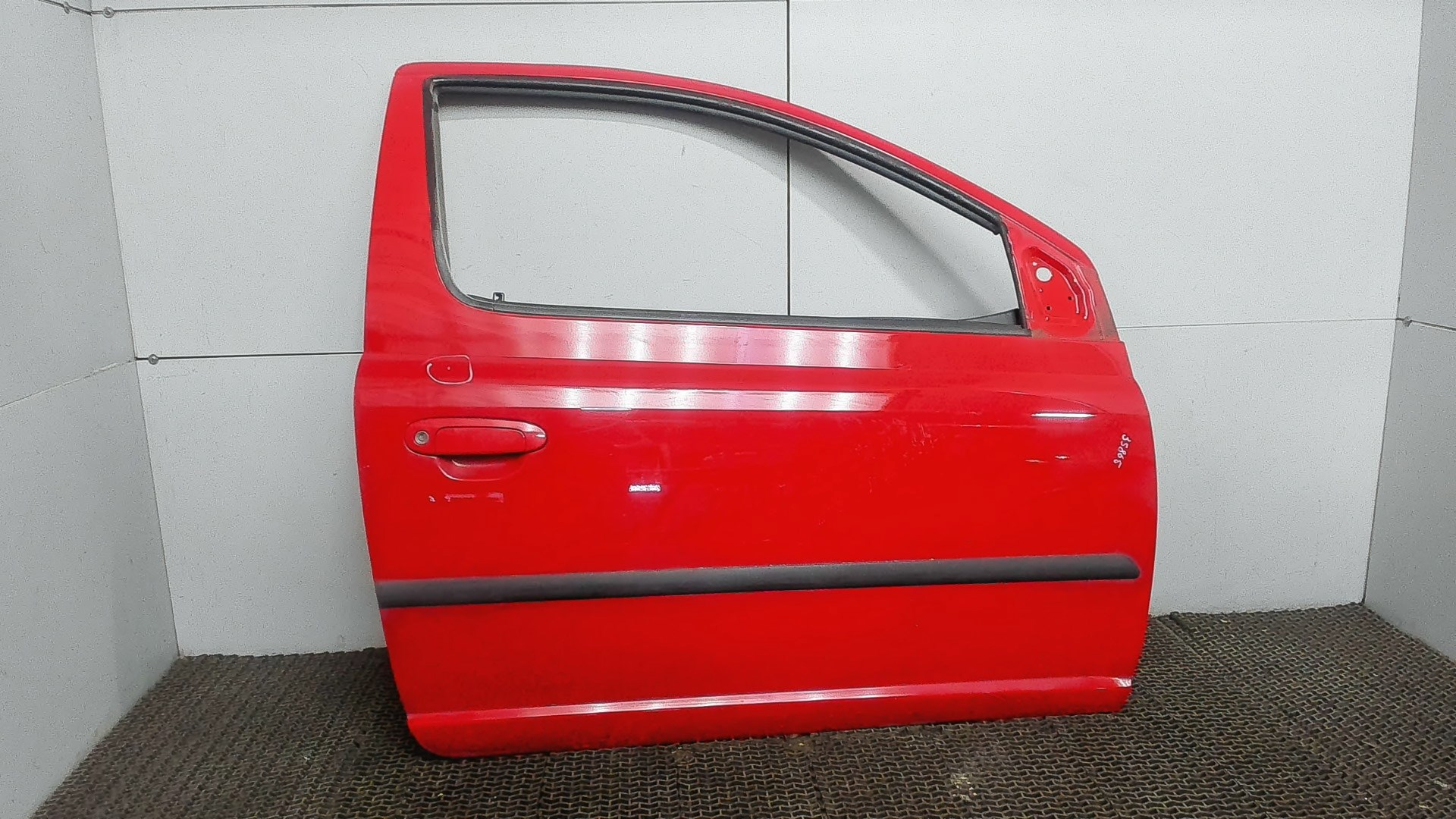 Дверь боковая передн прав Toyota Yaris 1999-2006